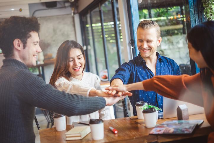 【2020年版】オンライン対応も!社内交流イベント42選