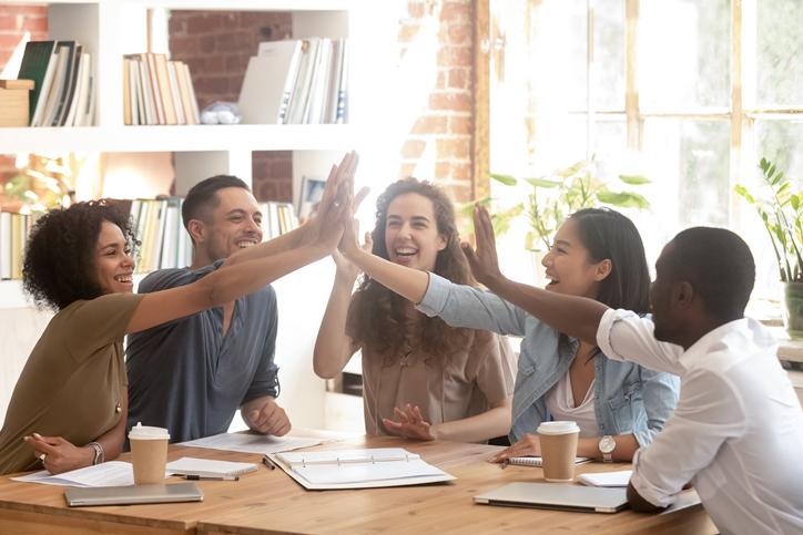 謎解きは研修に最適!有効な理由やチームビルディングの重要性を解説