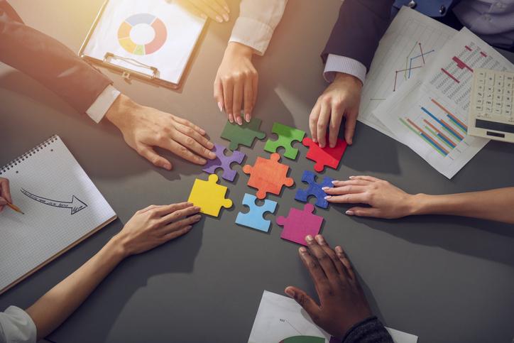 グループワークのメリットとは?重視するポイントやデメリットもご紹介